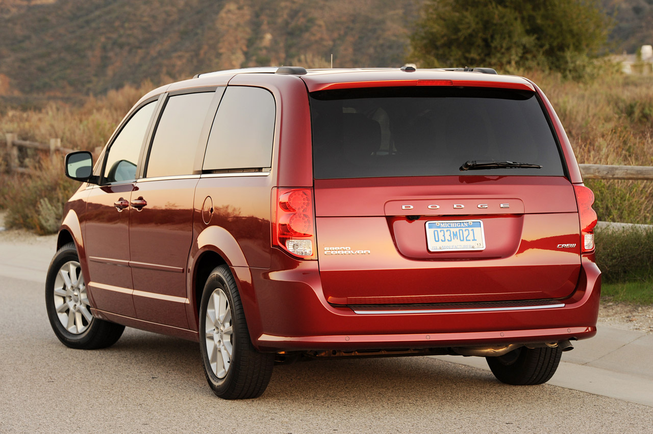 2013 chrysler town country review ratings specs prices. Black Bedroom Furniture Sets. Home Design Ideas