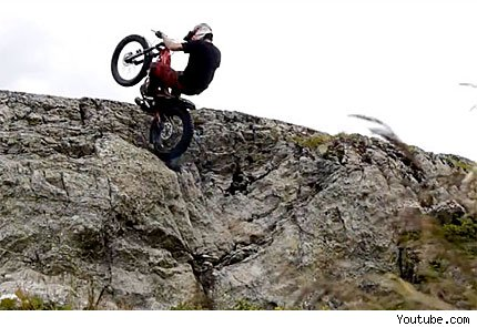 Freestyle y ms suertes en moto en los Alpes franceses