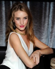 Rose Huntington-Whiteley, Rose Huntington-Whiteley sexy photos, hot celebrity women