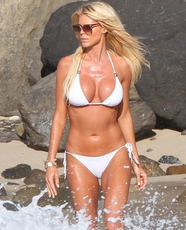 Victoria  Silvstedt photo