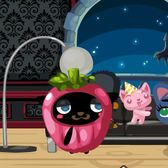 Pet Society: The mysterious Hideeni returns bearing delicious candy