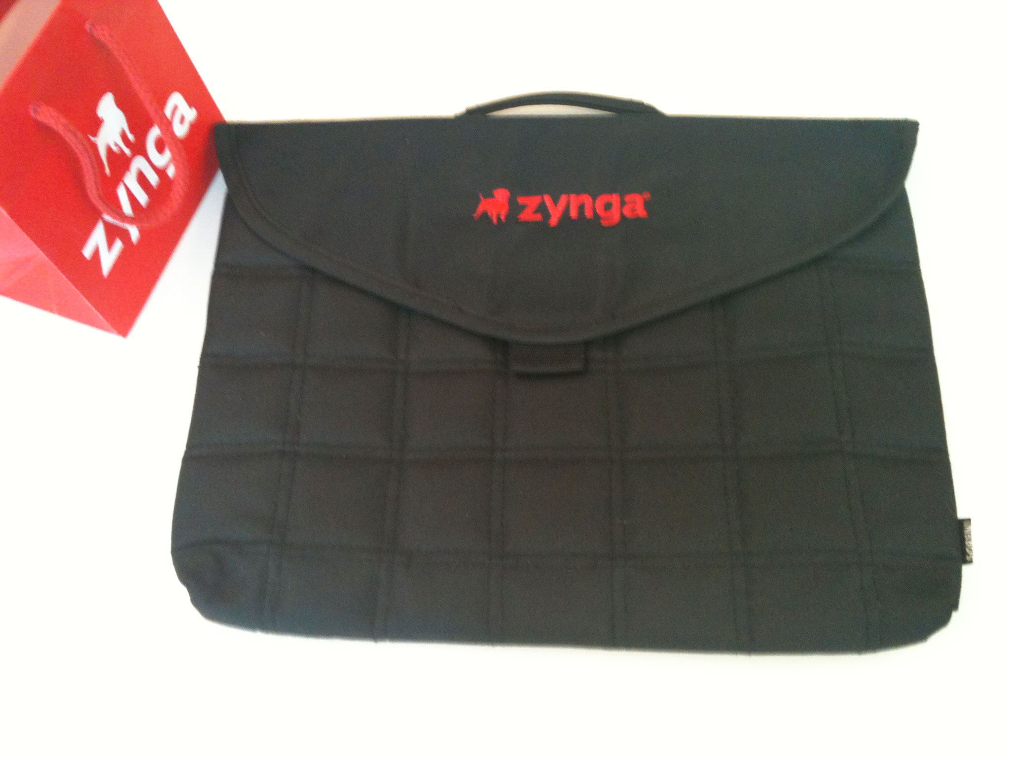 zynga laptop bag giveaway