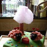 Totally sweet! More awesome FarmVille cakes