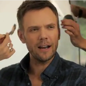 Community's Joel McHale is a sell out for the Nintendo 3DS [Video]