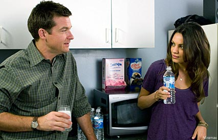 Jason Bateman and Mila Kunis in Extract