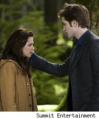 New Moon wins box office