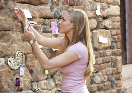 "RAHA .LD - ""Wanna see the best movie ever watch ""letters to juliet"