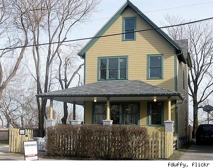 the street to serve as the official 'A Christmas Story' House Museum.