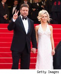 Russell Crowe and Danielle Spencer attend the Robin Hood Premiere at the Palais des Festivals during the 63rd Annual Cannes International Film Festival