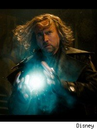 Nicolas Cage throws plasma balls in 'The Sorcerer's Apprentice'