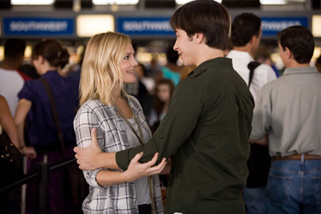 Drew Barrymore and Justlin Long in 'Going the Distance'