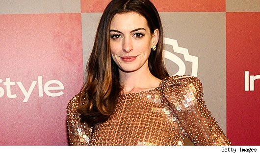 anne hathaway catwoman photoshop. Anne Hathaway Is Catwoman