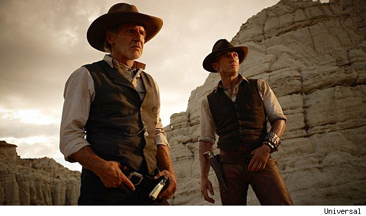 2401twd0080129rv3 Harrison Ford and Daniel Craig Trade Blows in New Cowboys &amp; Aliens Clip