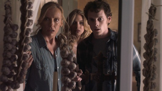 fn 031 Lock the Doors and Break out the Garlic in an Exclusive New Clip From Fright Night (VIDEO)