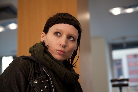 dragon tattoo 530 1316087922 The Girl With the Dragon Tattoo Immigrant Song Video: David Fincher Directs Clip for Karen O and Trent Reznor Cover