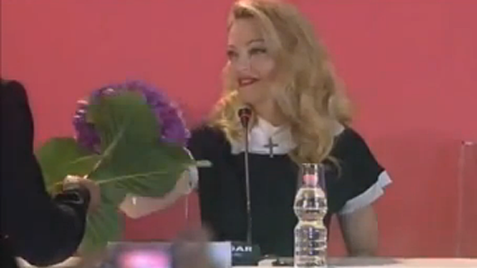 picture 3 Note to Fans: Madonna Hates Hydrangeas (VIDEO)