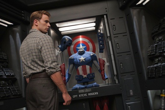avengersnewphotoshdsmall3 Chris Evans Offers the Many Pensive Faces of Captain America in New Avengers Pics