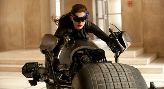 catwoman Michele Pfeiffer Thinks Anne Hathaway is Going to be Great As Catwoman