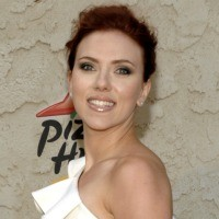 askingtobehacked.cecfb26d33b043b49b59a49de5daac4a Scarlett Johansson on Her Leaked Nude Photos: I Know My Best Angles
