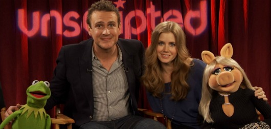 Muppets Unscripted: Miss Piggy, Kermit, Jason Segel and Amy Adams Talk Fashion, Films and Fozzie Bear