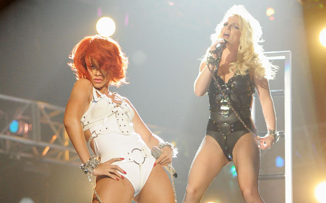 "Rihanna and Britney Spears Perform ""S&M (Remix)"" At The 2011 Billboard Music Awards"