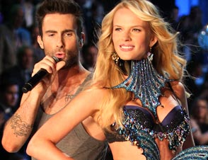 Victoria's Secret Models Maroon 5 Moves Like Jagger
