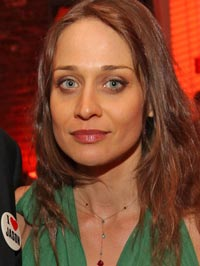 Fiona Apple parenting books