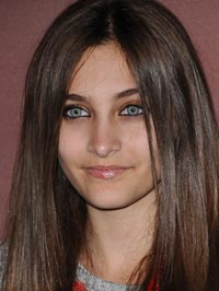 Paris Jackson sings