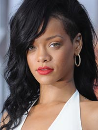 Rihanna sues former accountants