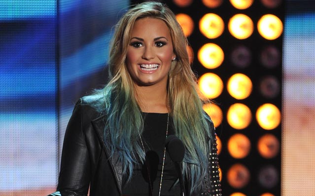 Demi Lovato Blue hair Teen Choice Awards 2012
