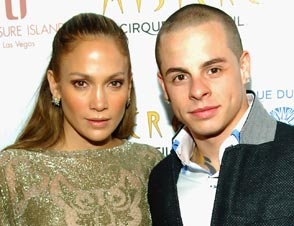 Jennifer Lopez Casper Smart engaged?