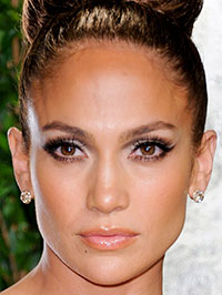Jennifer Lopez denies getting a maid fired