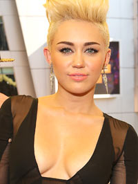 Miley Cyrus blue hair