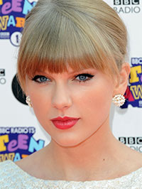 Taylor Swift Tour on Taylor Swift  Tour Dates  Singer Announces Red Concert Schedule For