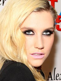 Kesha Attracted to Women