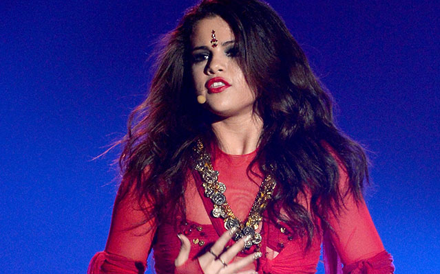 selena gomez defends bindi