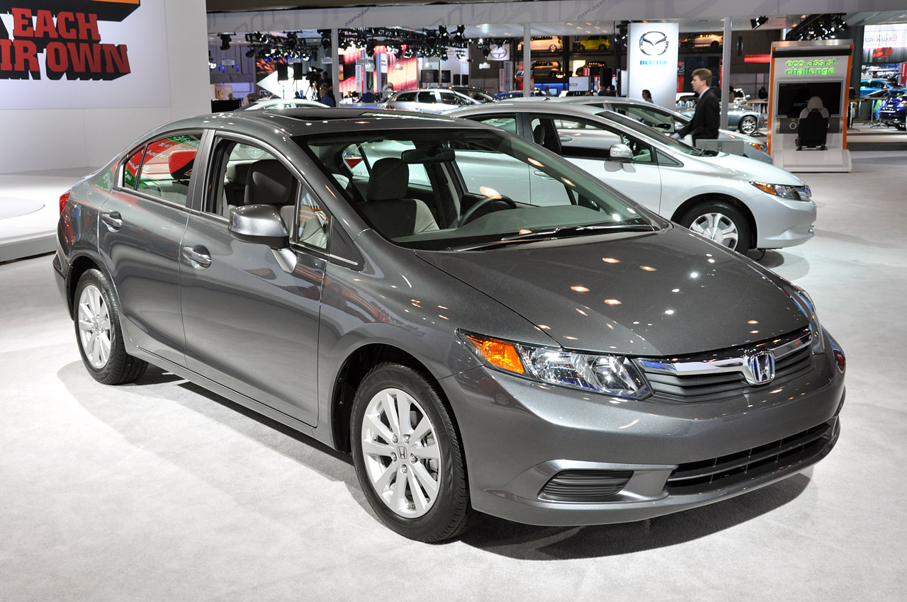 http://www.blogcdn.com/ca.autoblog.com/media/2011/04/01-2012-honda-civic-sedan.jpg