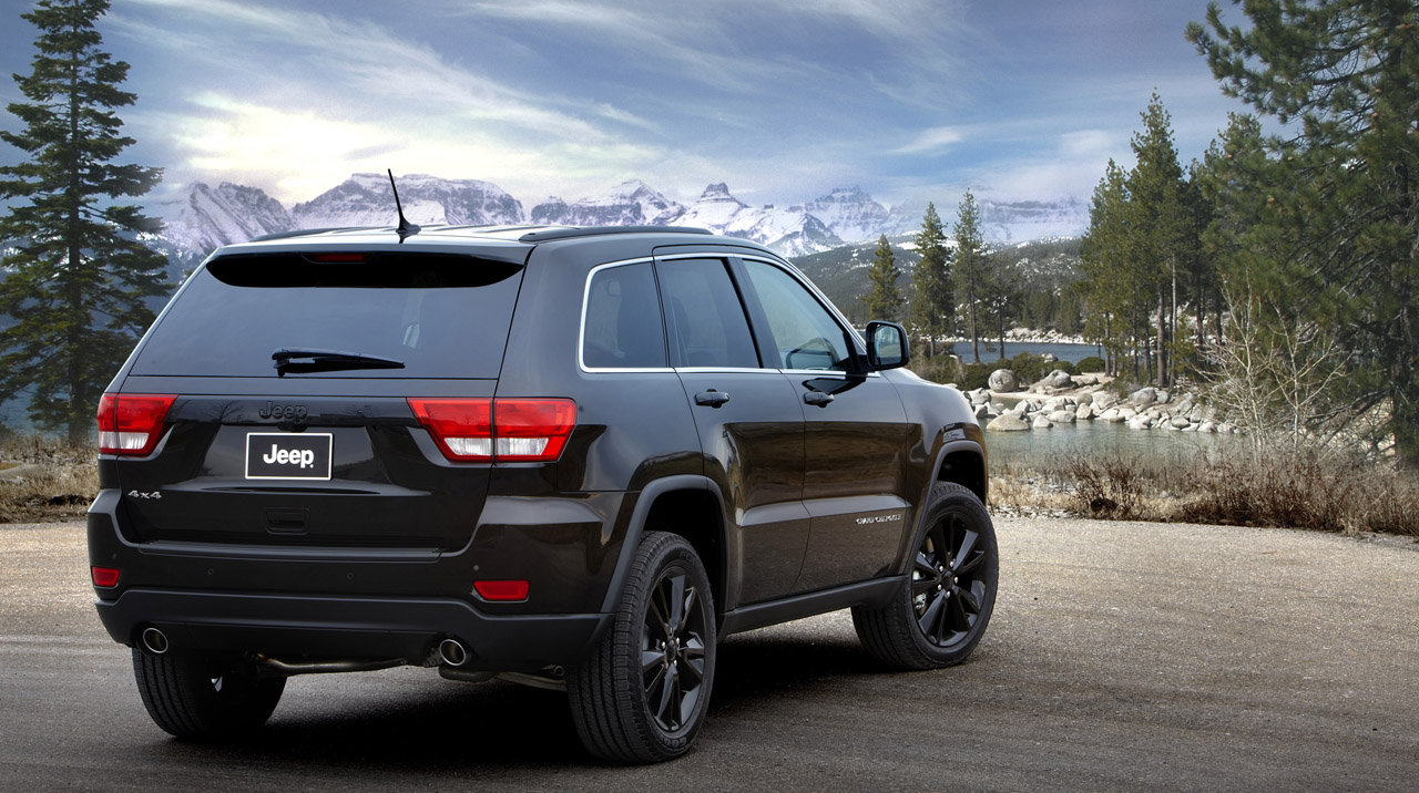 2012 jeep grand cherokee stealth photos. Black Bedroom Furniture Sets. Home Design Ideas