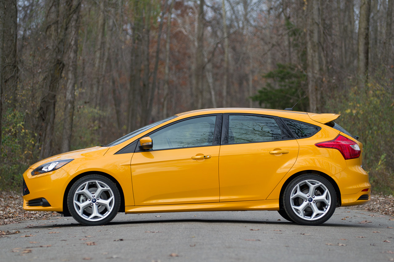 2013 ford focus st canada. Black Bedroom Furniture Sets. Home Design Ideas