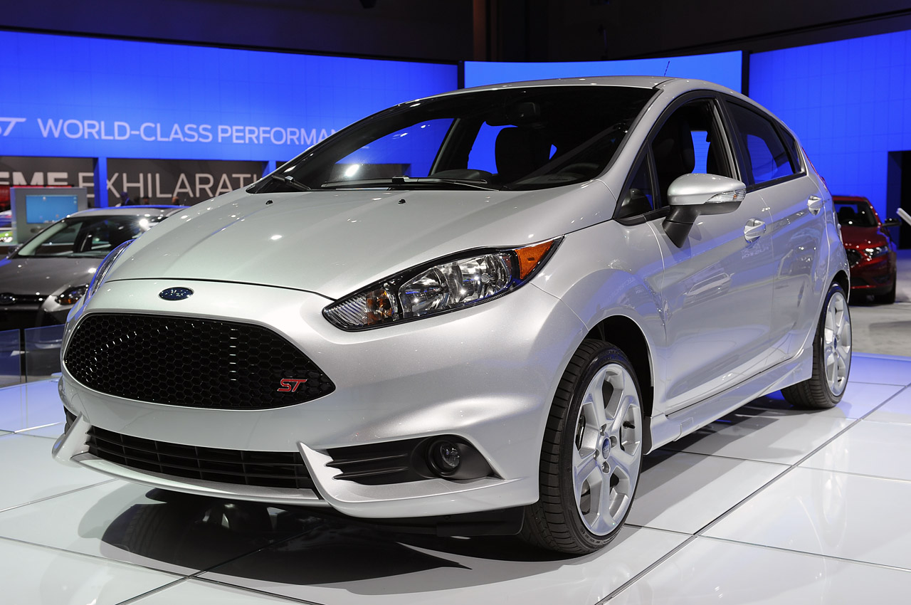 2014 ford fiesta st priced from 24 999. Black Bedroom Furniture Sets. Home Design Ideas