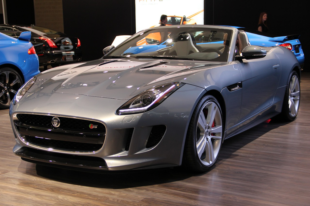 2014 Jaguar F Type Pounces On Stage At Toronto Auto Show Floor
