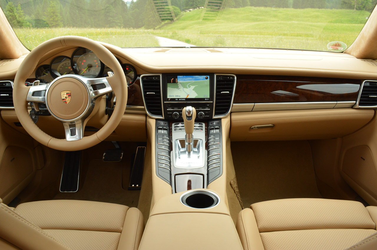 photo gallery of porsche panamera