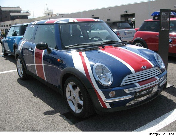 Austin Powers MINI Cooper