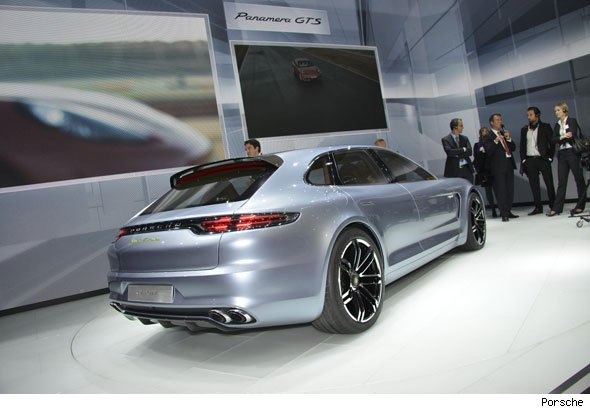 Porsche shows off Panamera Sport Turismo