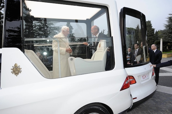 Pope's new Popemobile