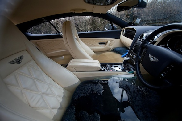 lottery winner makes a big splash in his bentley aol uk cars. Black Bedroom Furniture Sets. Home Design Ideas
