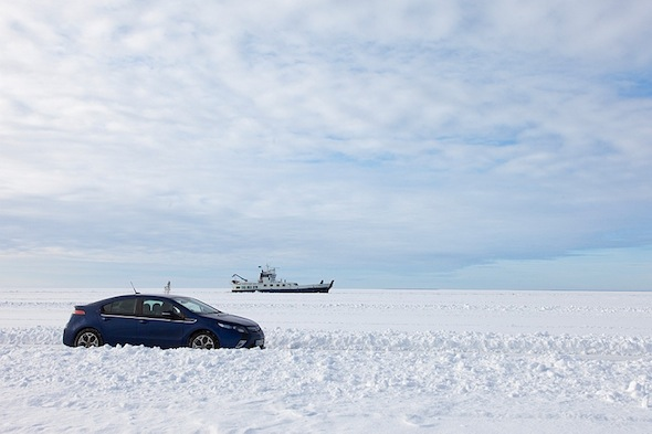 Driving on ice: The Vauxhall Ampera takes on the frozen Baltic Sea