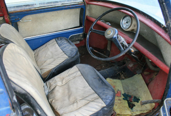 Barn-find Mini set to make £10k after 40 years of disrepair