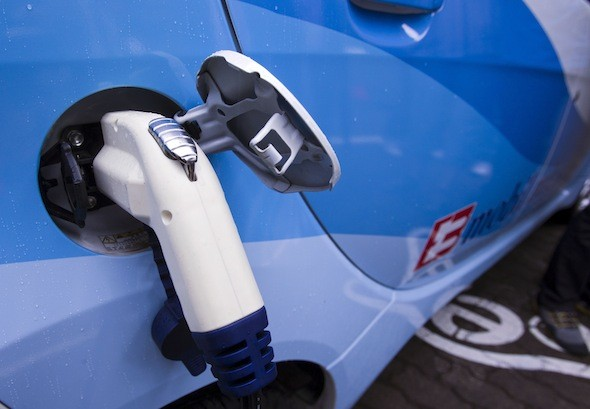 Government announces 37million investment to improve Britain's electric vehicle charging network