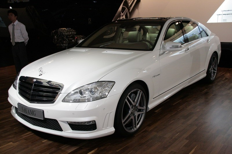 mercedes benz unveils s63 and s65 amg at shanghai show. Black Bedroom Furniture Sets. Home Design Ideas